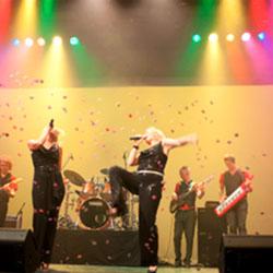 Bekijk foto 2 van Dancealot