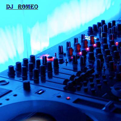 Bekijk foto 2 van DJ Romeo