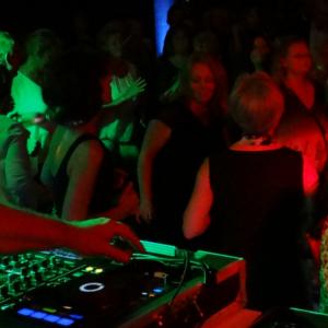 Bekijk foto 6 van DJ Sanchez
