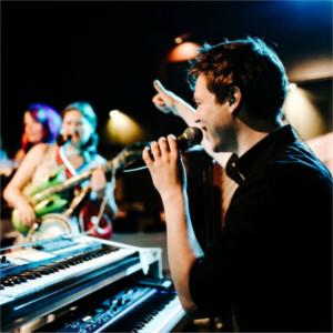 Foto 4 van Mikes Pianoshow