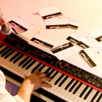 Foto 4 van Pushing Pianos