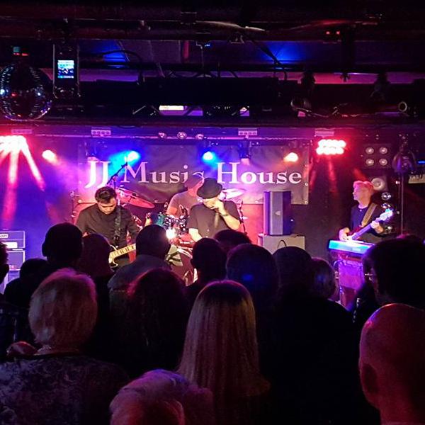 Bekijk foto 2 van The BluesFirm