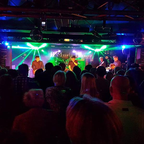 Bekijk foto 3 van The BluesFirm