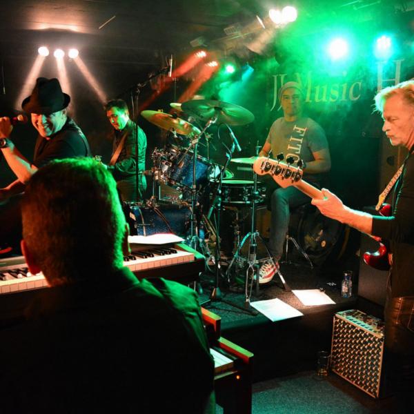Bekijk foto 7 van The BluesFirm