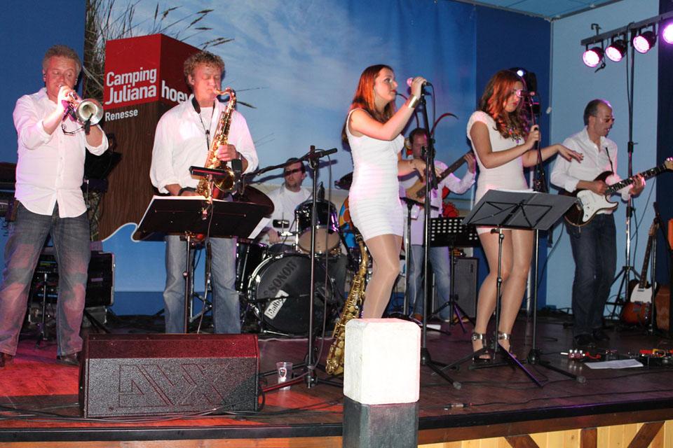 Villa Groove Meer Dan 5 Bandleden De Band Villa Groove