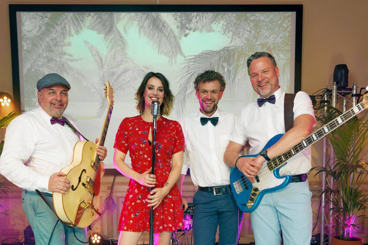 Zakelijke feesten en live muziek: boek een bandje!